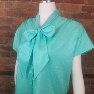 Vintage Women's 1970s Pussy Bow Blouse Green Short